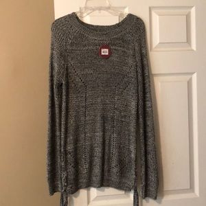 Nwt Long knit sweater, black and white weave